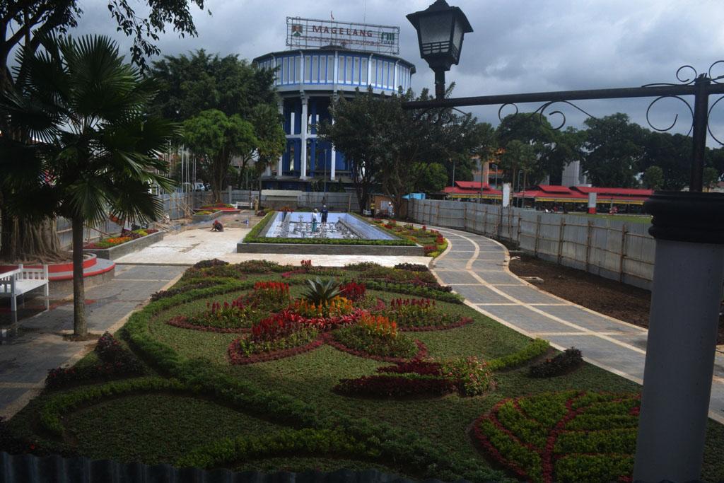 Taman Air Mancur di Alun - Alun Kota Magelang