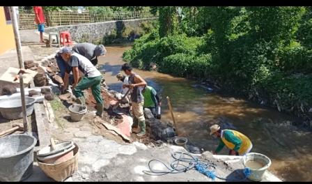 DPUPR Tanggap Bencana Talud Sungai Kedali